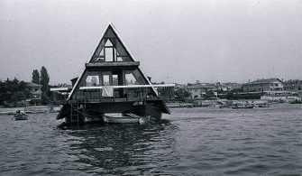 Mimar Melih Koray'ın yaptırdığı katamaran ev